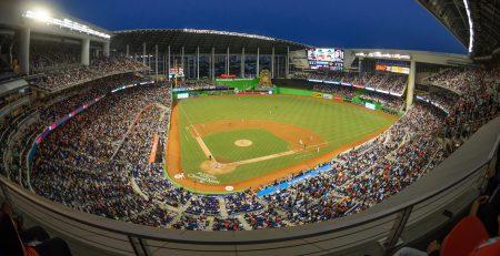 邁阿密馬林斯 為現場直播提供影音